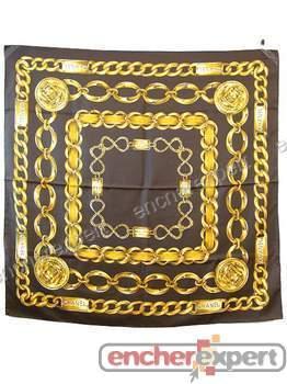 680869e6865 Foulard CHANEL carre soie ceinture chaine marron - Authenticité garantie -  Visible en boutique