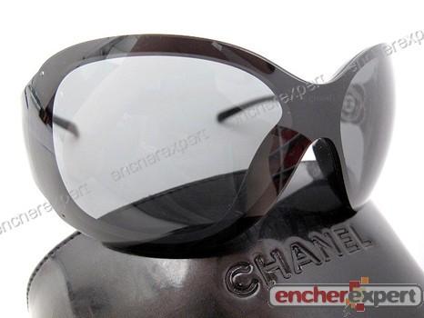 Neuf lunettes de soleil CHANEL 6032 camelia masque - Authenticité garantie  - Visible en boutique efa10d2b9fe1