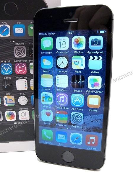 telephone portable apple iphone 5s 64 go gris authenticit garantie visible en boutique. Black Bedroom Furniture Sets. Home Design Ideas