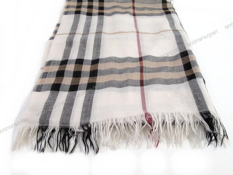 Echarpe burberry foulard chale etole tartan beige - Authenticité garantie -  Visible en boutique d297420293e