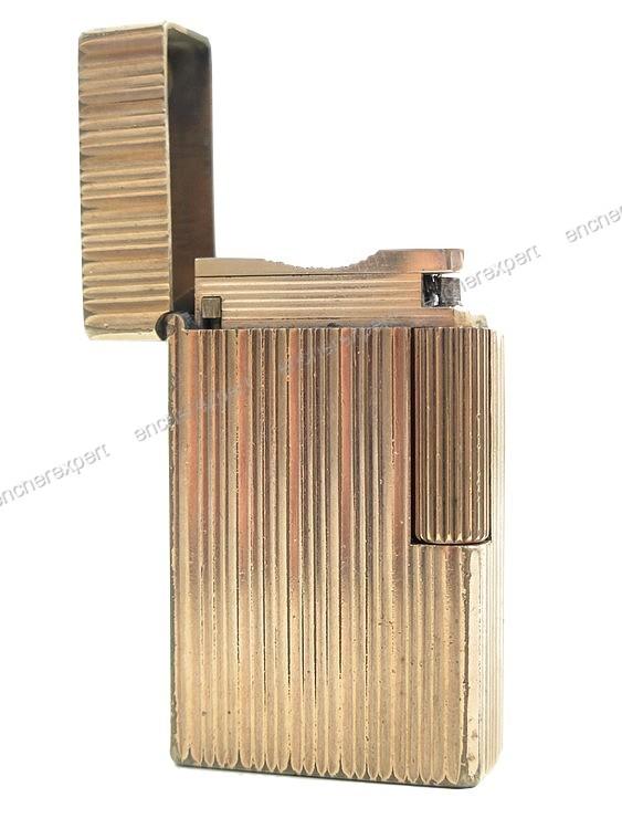 vintage briquet st dupont ligne 1 gm en plaque or. Black Bedroom Furniture Sets. Home Design Ideas