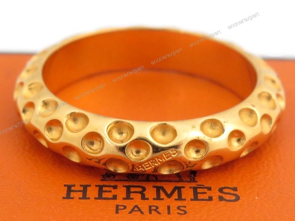 341ba8dab44c Anneau pour foulard HERMES metal dore bague a - Authenticité garantie -  Visible en boutique