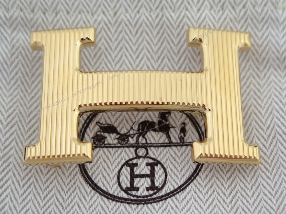 Neuf boucle de ceinture HERMES h striee plaque or - Authenticité garantie -  Visible en boutique 1a9c99df80d