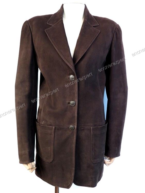 veste chanel boutique femme 40 m en daim marron authenticit garantie visible en boutique. Black Bedroom Furniture Sets. Home Design Ideas