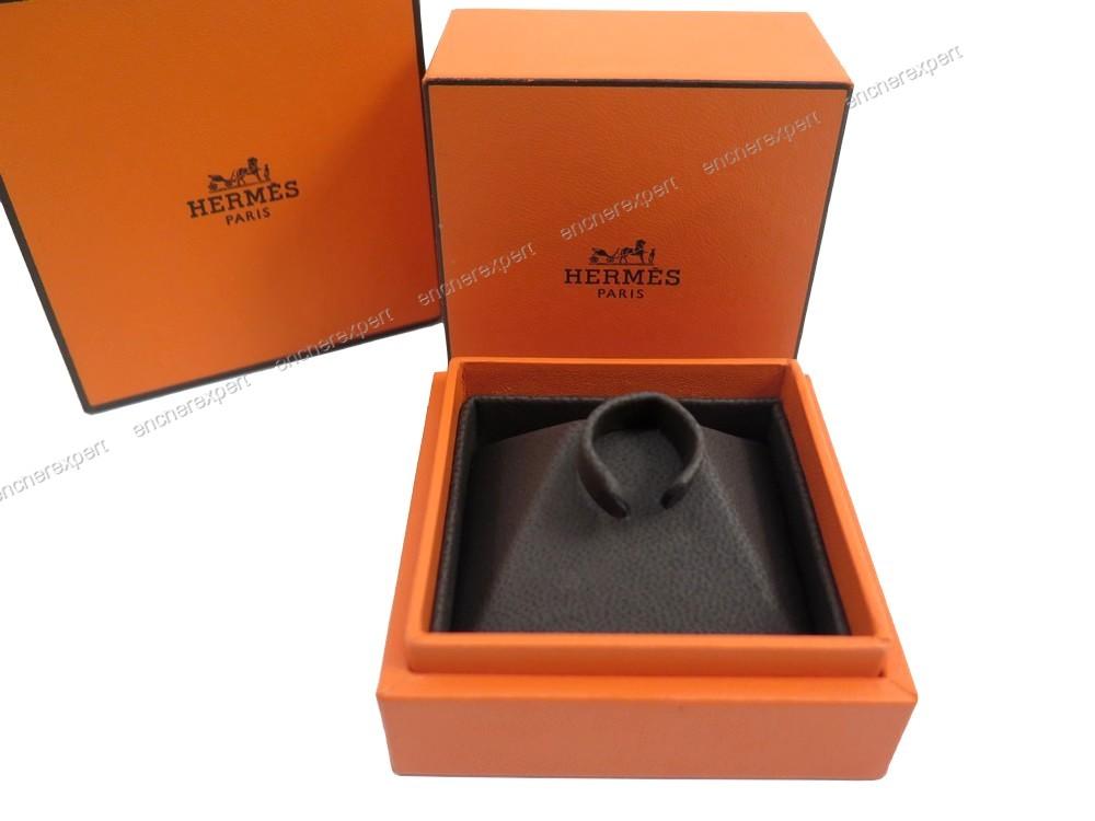 ancienne boite ecrin pour bague hermes collection authenticit garantie visible en boutique. Black Bedroom Furniture Sets. Home Design Ideas