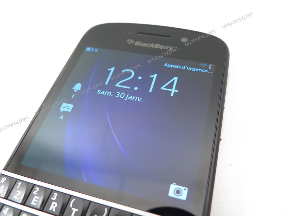 Telephone portable blackberry q10 16go orange for Housse blackberry q10