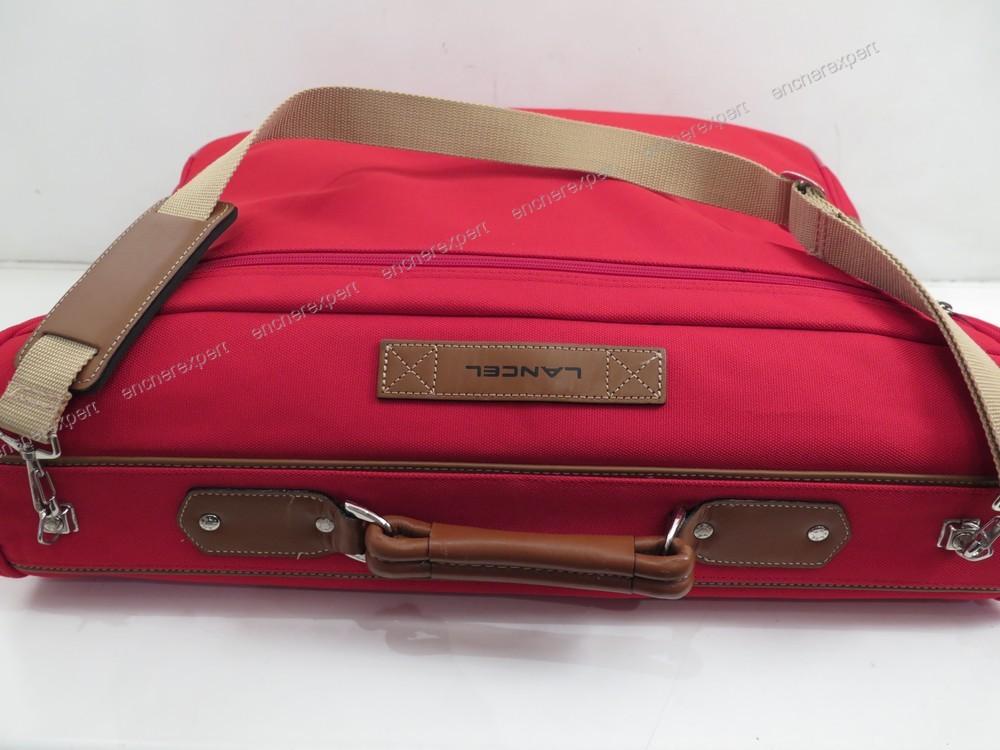 neuf housse porte vetements lancel valise costume authenticit garantie visible en boutique. Black Bedroom Furniture Sets. Home Design Ideas