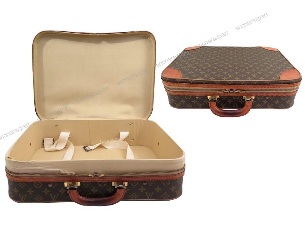 d p t vente de luxe sacs et mode valises bagages 3 boutiques paris. Black Bedroom Furniture Sets. Home Design Ideas