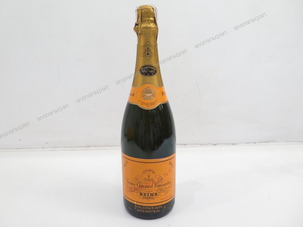 Coffret traveller bouteille de champagne veuve authenticit garantie visible en boutique - Coupe champagne veuve clicquot ...