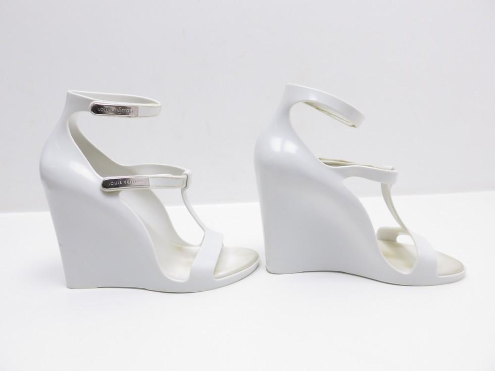 chaussures louis vuitton 35 sandales compensees en authenticit garantie visible en boutique. Black Bedroom Furniture Sets. Home Design Ideas