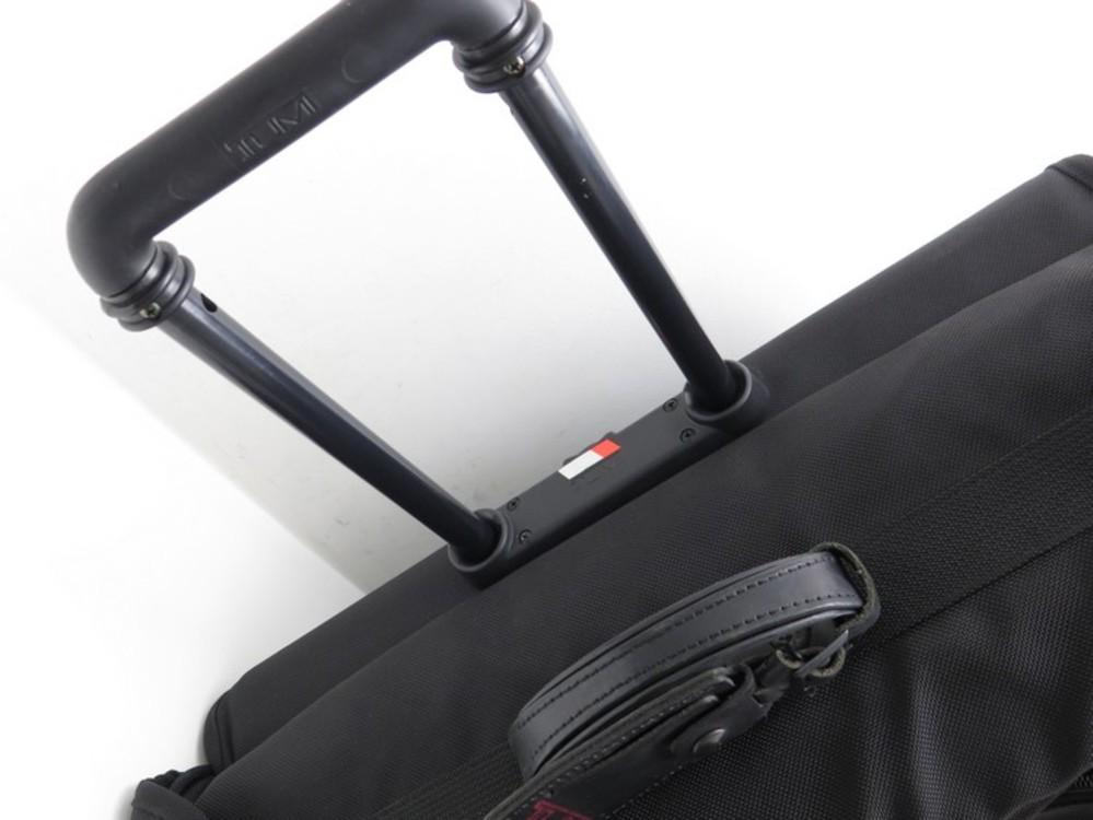 valise a roulette tumi 2233 alpha 2 porte authenticit. Black Bedroom Furniture Sets. Home Design Ideas