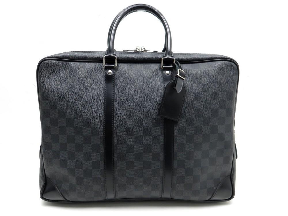 Sac sacoche LOUIS VUITTON porte documents voyage - Authenticité garantie -  Visible en boutique 806e01fbe90