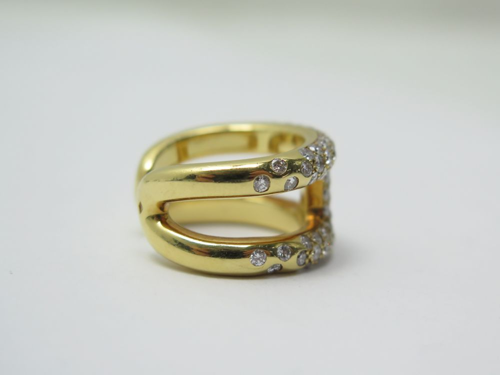 Cliquez sur les petites photos pour agrandir l image. BAGUE HERMES OSMOSE T  52 EN OR JAUNE 18K   84 DIAMANTS DIAMONDS GOLD RING 12000€ 5b3a4fcacc6